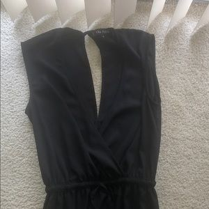 Black open keyhole front and back jumpsuit